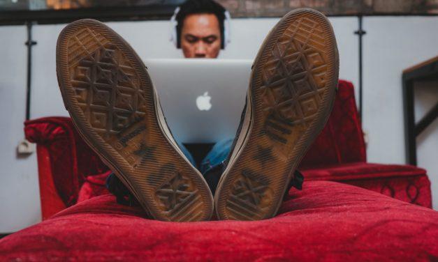 Nomade Digital : pourquoi choisir le statut d'auto-entrepreneur ?